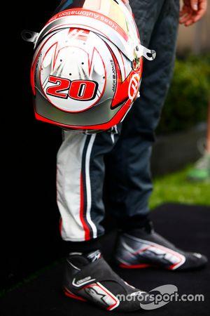 Helm van Kevin Magnussen, Haas F1 Team