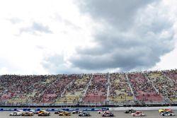 Brad Keselowski, Team Penske Ford, Erik Jones, Furniture Row Racing Toyota