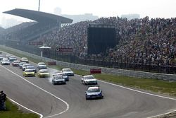 Start action, Mattias Ekstrom, Abt Sportsline Audi A4 leads