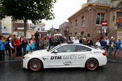 Maxime Martin, BMW Team RBM, BMW M4 DTM en el BMW M4 GTS DTM Safety Car