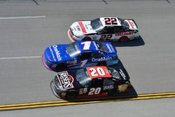 Erik Jones, Joe Gibbs Racing Toyota, Elliott Sadler, JR Motorsports Chevrolet, Joey Logano, Team Pen