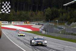 Checkered flag for René Rast, Audi Sport Team Rosberg, Audi RS 5 DTM
