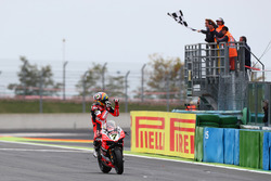 Chaz Davies, Ducati Team se lleva la victoria
