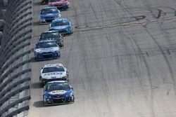 Чейс Эллиотт, Hendrick Motorsports Chevrolet и Лэндон Кэссилл, Front Row Motorsports Ford