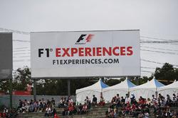 Des bannières F1 Experiences