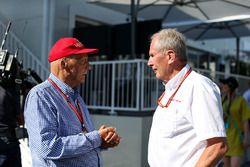 Niki Lauda, Mercedes AMG F1 Presidente no ejecutivo, el Dr. Helmut Marko, Red Bull Motorsport Consul