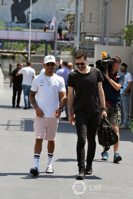 Lewis Hamilton, Mercedes AMG F1 y Marc Hynes