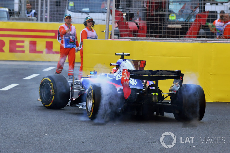 Dreher: Daniil Kvyat, Scuderia Toro Rosso STR12
