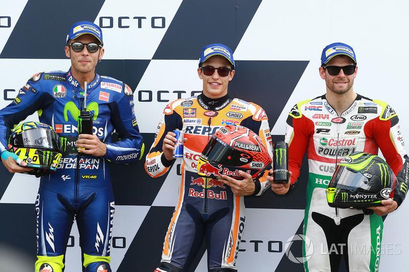 Ganador de la pole Marc Márquez, Repsol Honda Team, segundo Valentino Rossi, Yamaha Factory Racing, y tercero Cal Crutchlow, Team LCR Honda