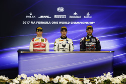 المنصة: الفائز بالسباق سيرجيو سيتي كامارا، ام.بي موتورسبورت، المركز الثاني نيك دي فريز، ريسينغ انجين