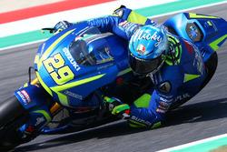 Andrea Iannone, Team Suzuki MotoGP, with the Nicky Hayden Tribute helmet