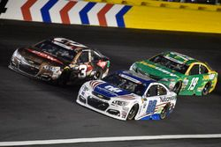 Austin Dillon, Richard Childress Racing Chevrolet, Dale Earnhardt Jr., Hendrick Motorsports Chevrolet
