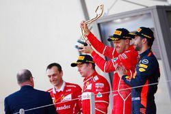 Sebastian Vettel, Ferrari; Kimi Räikkönen, Ferrari; Daniel Ricciardo, Red Bull Racing