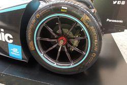 Jaguar I-Type II, dettaglio della ruota posteriore