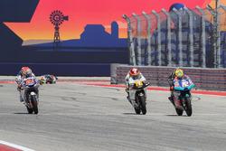 Fabio Di Giannantonio, Del Conca Gresini Racing Moto3, Marco Bezzecchi, Prüstel GP, Andrea Migno, Aspar Team, à l'arrivée