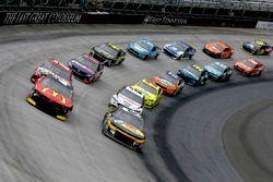 Kyle Larson, Chip Ganassi Racing, Chevrolet Camaro McDonald's, Ryan Newman, Richard Childress Racing, Chevrolet Camaro Bass Pro Shops / Cabela's