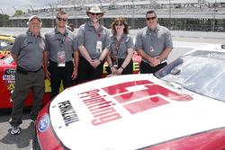 Paul Menard, Team Penske, Ford Mustang LTi Printing guests