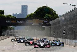 Marco Andretti, Herta - Andretti Autosport Honda leads at the start