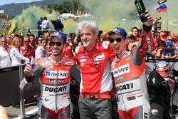 Segundo, Andrea Dovizioso, Ducati Team, Gigi Dall'Igna, Ducati Team General Manager, ganador, Jorge Lorenzo, Ducati Team