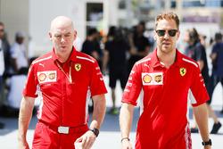 Jock Clear, Engineering Director, Ferrari, en Sebastian Vettel, Ferrari