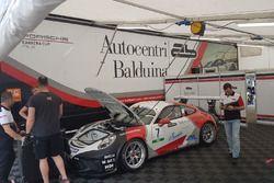 Una Porsche 911 GT3 Cup del team AB Racing, nel paddock
