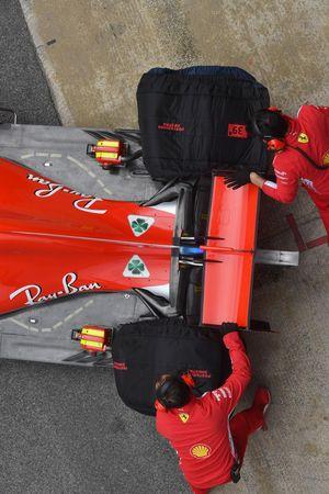 Ferrari SF-71H, ala posteriore e fondo