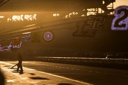 Ricky Stenhouse Jr., Roush Fenway Racing Ford ekip elemanı, gün batımı