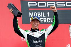 Podium: Mattia Drudi, Dinamic Motorsport