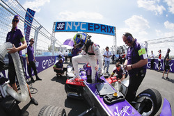 Alex Lynn, DS Virgin Racing, on the grid