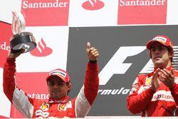 المركز الأوّل فرناندو ألونسو، فيراري والمركز الثاني فيليبي ماسا، فيراري