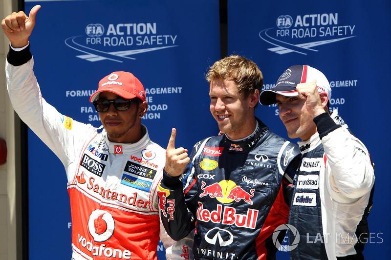 Sıralamalar ilk üç: Sebastian Vettel, Red Bull Racing, Lewis Hamilton, McLaren, ve Pastor Maldonado, Williams F1 Team