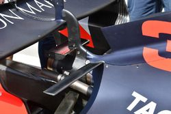 تفاصيل الجناح الخلفي لسيارة