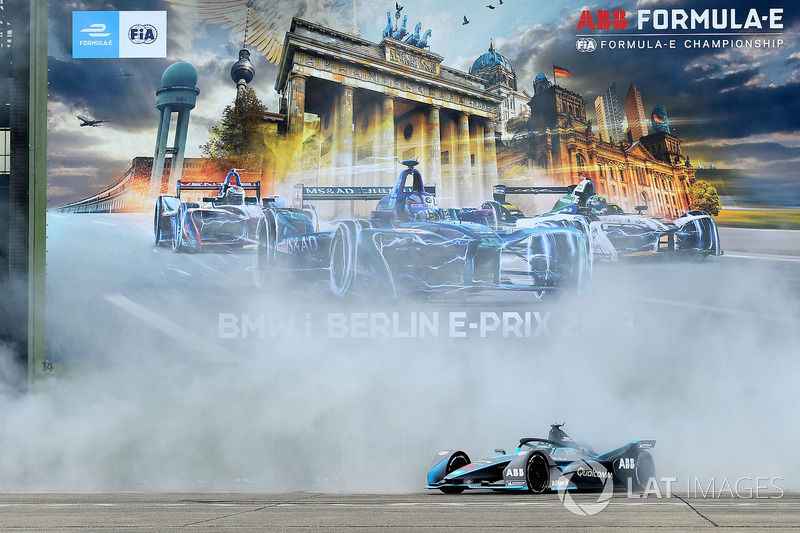 Nico Rosberg drives the FIA Formula E Gen 2 car