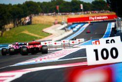 Sergio Perez, Force India VJM11, devant Kimi Raikkonen, Ferrari SF71H