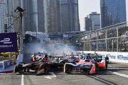 Jean-Eric Vergne, Techeetah, ve Nick Heidfeld, Mahindra Racing, startta