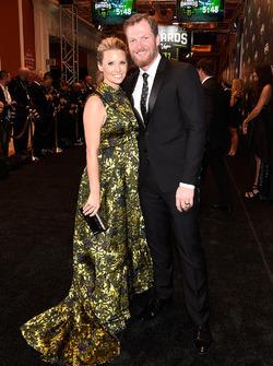 Dale Earnhardt Jr. y su esposa Amy
