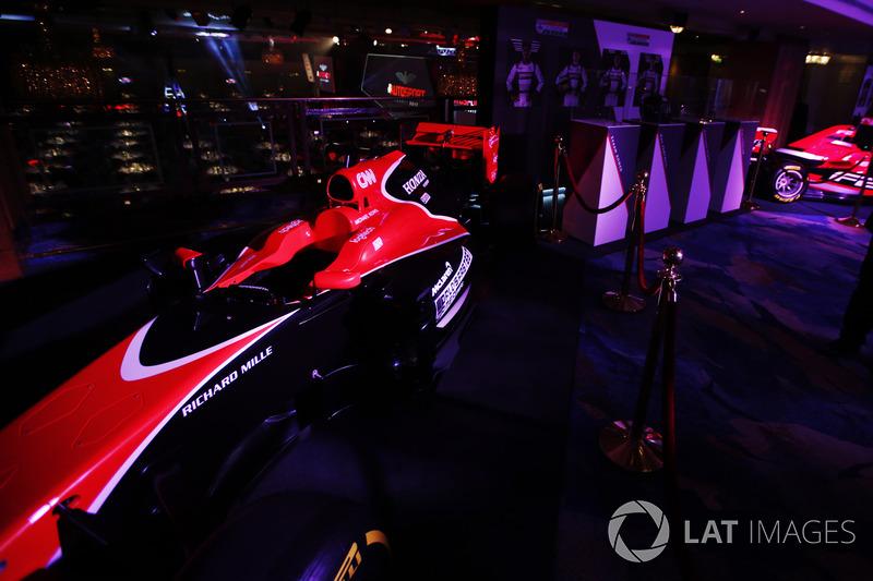 Un McLaren Honda en exhibición