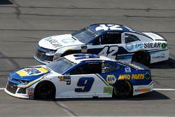 Chase Elliott, Hendrick Motorsports, Chevrolet Camaro NAPA Auto Parts Kyle Larson, Chip Ganassi Raci