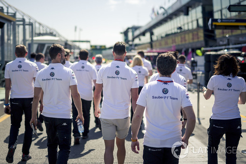 Alfa Romeo Sauber F1 Team walk the track