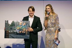 Augusto Farfus, and Eve Scheer