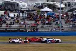#54 CORE autosport ORECA LMP2, P: Jon Bennett, Colin Braun, Romain Dumas, Loic Duval, #25 BMW Team R