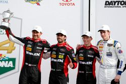 Victory lane, secondo posto P: #31 Action Express Racing Cadillac DPi: Felipe Nasr, Eric Curran, Mike Conway, Stuart Middleton