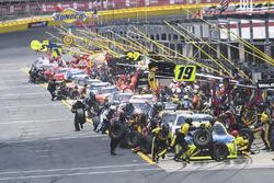Brandon Jones, Joe Gibbs Racing, Toyota Camry Toyota Menards Jeld-Wen, makes a pit stop