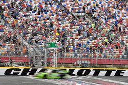 Brad Keselowski, Team Penske, Ford Mustang Fitzgerald Glider Kits takes the checkered flag