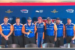 Winners of the Indy 500 pitstop challenge with Scott Dixon, Chip Ganassi Racing