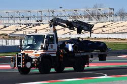 De wagen van Charles Leclerc, Alfa Romeo Sauber C37 na crash