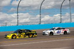 Brad Keselowski, Team Penske, Ford Fusion Alliance Truck Parts and Kurt Busch, Stewart-Haas Racing,