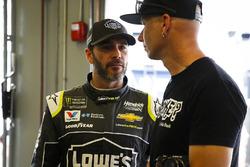 Jimmie Johnson, Hendrick Motorsports Chevrolet Camaro con fan