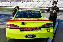 Paul Menard, Wood Brothers Racing Ford Fusion y Greg Erwin