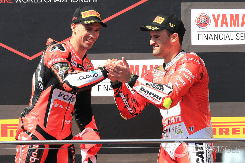 Podium: race winner Marco Melandri, Aruba.it Racing-Ducati SBK Team, third place Xavi Fores, Barni Racing Team
